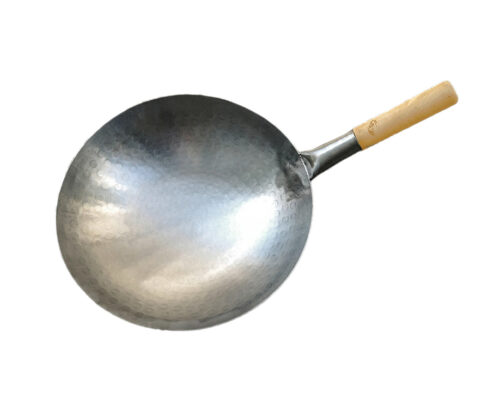 the-wok-shop-s-carbon-steel-hand-hammered-pow-wok-wood-handle-62